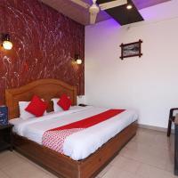 OYO 71703 Hotel Grand Plaza 2, hotel in Nārnaul