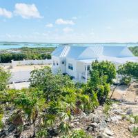 Villa Wishing Fish, Modern Cottage with Chalk Sound Views