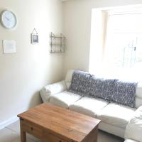 Perfect Staycation central to Swansea and Morriston Hospital sleeps 10 people.