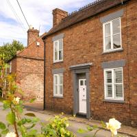 IRONBRIDGE - 18th CENTURY THREE BEDROOM COTTAGE - 6 BEDS