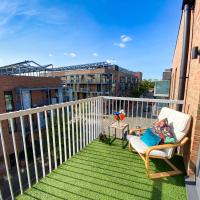 Penthouse Apartment in Central MK with Balcony and Free Parking by Yoko Property