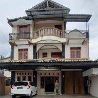 Ammanah Homestay Syari'ah Prambanan, hotel in Prambanan