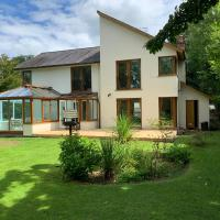 Acorn Lodge River Retreat Sleeps 8-9 Near Hay on Wye and Brecon
