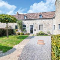 Traditional Cottage in Ardennes with private terrace, hotel in Amas