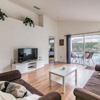 Spacious Villa with Private Pool - No Carpet - Disney Area