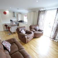 Spacious modern home in picturesque village, hotel near Exeter International Airport - EXT, Exeter