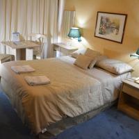 Hotel Solar del Acuario, hotel in Salto