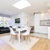 Beautiful 2 bed flat near Centre of Bromley, hotel in Bromley