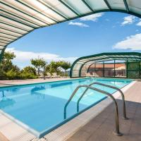 Agriturismo in the Appenines with covered swimming pool and jacuzzi, hotel in Apecchio