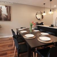 LUXURY Davcorp Executive Rentals - Free Wifi Wine Netflix and Parking in Brompton, hotel in Prospect