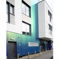 Deepak Place, Spacious Two Bed Apartment~Tooting
