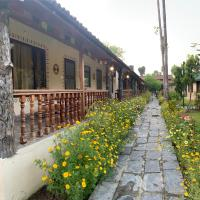 Jungle Safari Resort, hotel in Sauraha