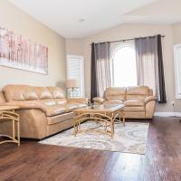 Upper Suite Duplex - 3 Beds / 2 Baths By Restaurants, Costco, Best Buy & G P Airport, hotel em Grande Prairie