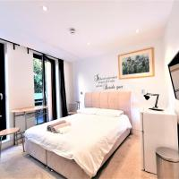 (3b) Double Room with Balcony and Ensuite