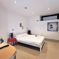 (2c) Spacious Double Room with en-suite