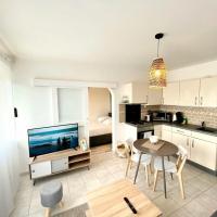SOBNB LES CEDRES- Appartement neuf à 2minutes de la frontière, hotel in Ambilly