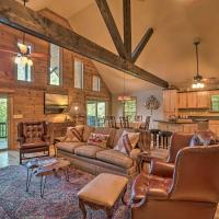 Blairsville Hideaway 5 Miles to Lake Chatuge, hotel in Blairsville