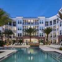 Ybor Condo With Pool and Gym, hotel in Ybor City, Tampa
