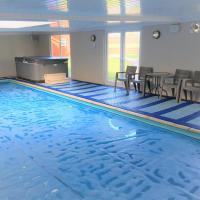 Ashdene Holiday Home, hotel in South Marston