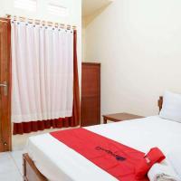 RedDoorz near Buleleng Harbour 2, hotel in Singaraja