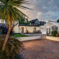 The Cottage - Characterful, coastal family home (Holcombe)