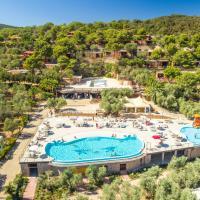 Talamone Camping Village, hotell i Talamone