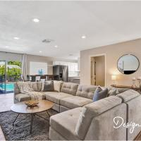 Private pool Beautiful Updated 4BR Home 2BTH