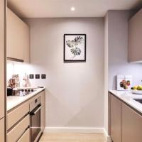 Modern Luxury 1 Bed Central London Apartment with City of London views