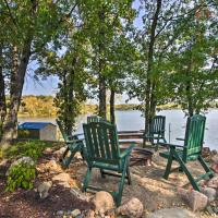 Waterfront Pequot Lakes Cabin with Dock and Sandy Beach, hotel in Pequot Lakes