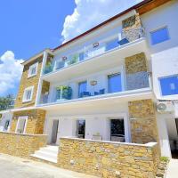 San Teodoro Villa Sleeps 4 with Pool and Air Con, hotel a Cosentini