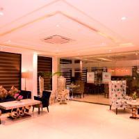 WhitePod Luxury, Delhi Airport, hotel in New Delhi