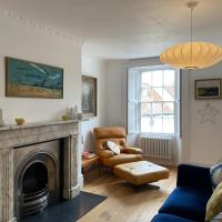 Stunning Georgian Flat in The Heart of Midhurst Old Town