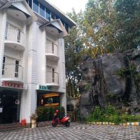 Athirapilly palace Hydel, hotel in Athirappilly