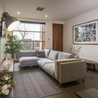 LUXE - Park views, Wine, Wifi, Netflix, Garage, PETS ok!, hotel in Thebarton