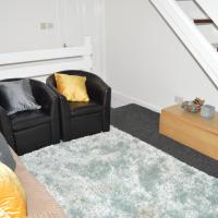 Borstal Place with Free WiFi, hotel in Strood