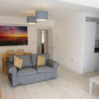 Rottingdean, 2 bed, views to woods, free parking