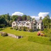 Charming 14-Bed House near Blairgowrie