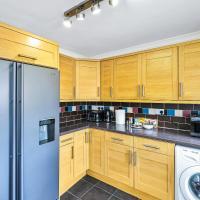 Heathrow Living St Annes Serviced House 5 bedrooms 3 bath