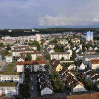 Über den Wolken und super zentral zwischen Frankfurt und Darmstadt, hotel in Langen