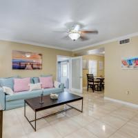 The Pink House near the cruise & airport - By Avi, hotel near Fort Lauderdale-Hollywood International Airport - FLL, Fort Lauderdale