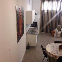 Mezzanine Ground Floor Apartment, hotel in San Ġwann
