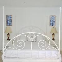 Ocean Front Property - Villa 4 Aruba w pool view, hotel em Savaneta