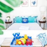 Ocean Front Property - Villa 5 Aruba Stunning, hotel em Savaneta