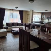 Large and Cozy Apartment in Baños, hotel em Baños