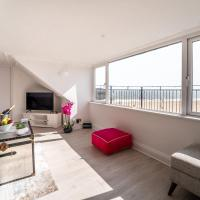 Stunning Sea View Penthouse – 2 Bedroom – 2 Bathroom, hotel in Gorleston-on-Sea