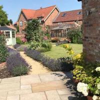 Pretty Garden Cottage
