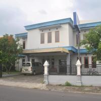 Anugrah Hotel Syariah, hotel near Adisumarmo Airport - SOC, Solo