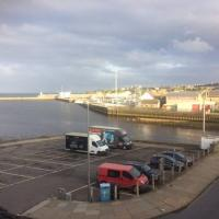Centrally located 1 bed modern flat with harbour views