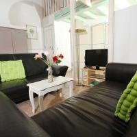 Studio in SuzelaRousse with shared pool enclosed garden and WiFi, hotel in Suze-la-Rousse