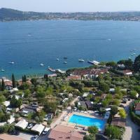 Vacanze Glamping Boutique, hotel in San Felice del Benaco